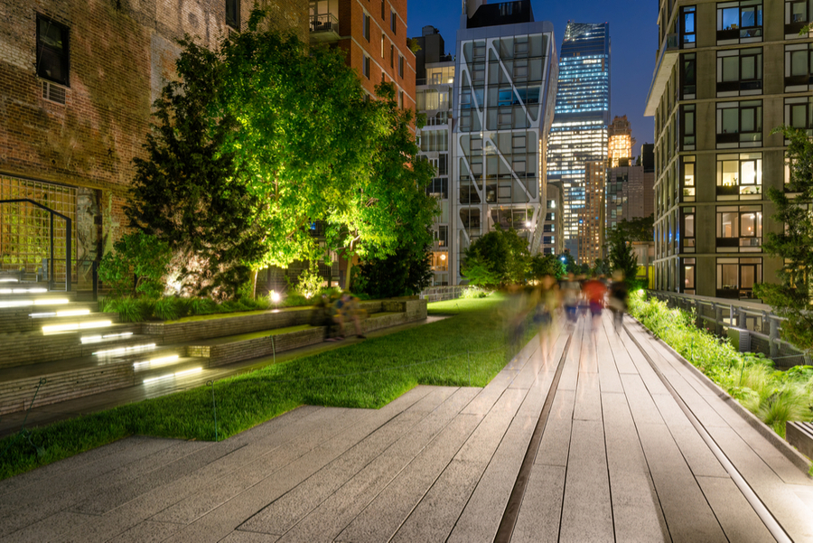 "the High Line Park is the only ""park in the sky"" and one of the most popular destinations in New York when on a budget"