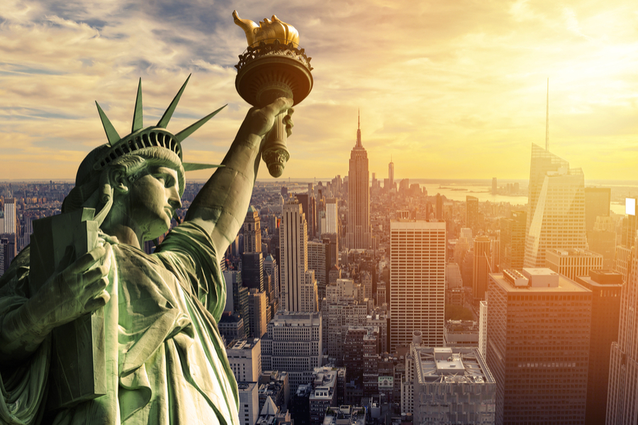 New York nightclub culture and the statue of liberty
