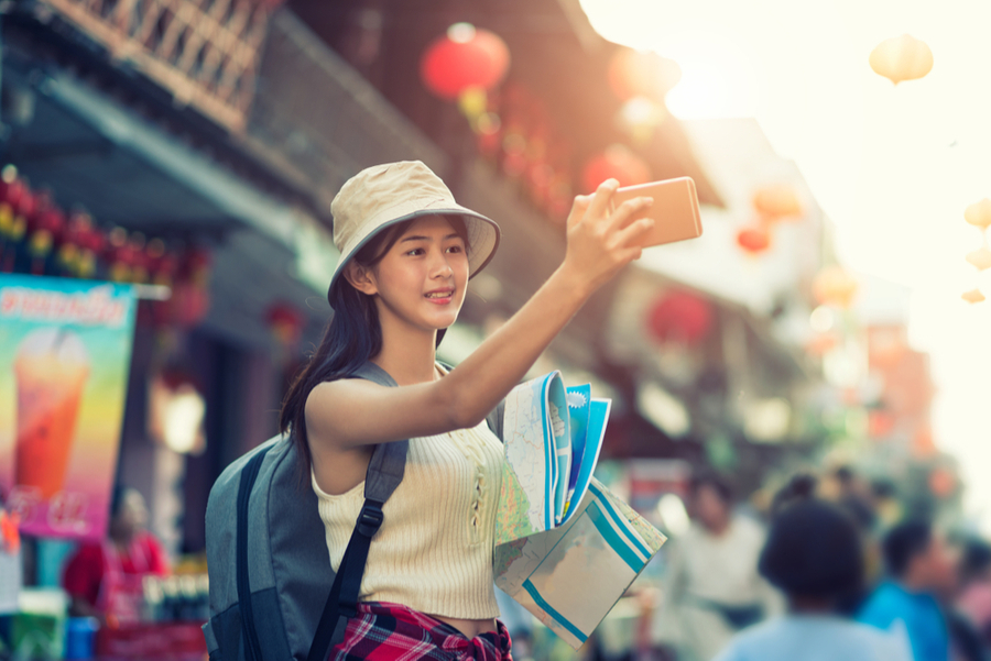 taking a selfie in china town los angeles